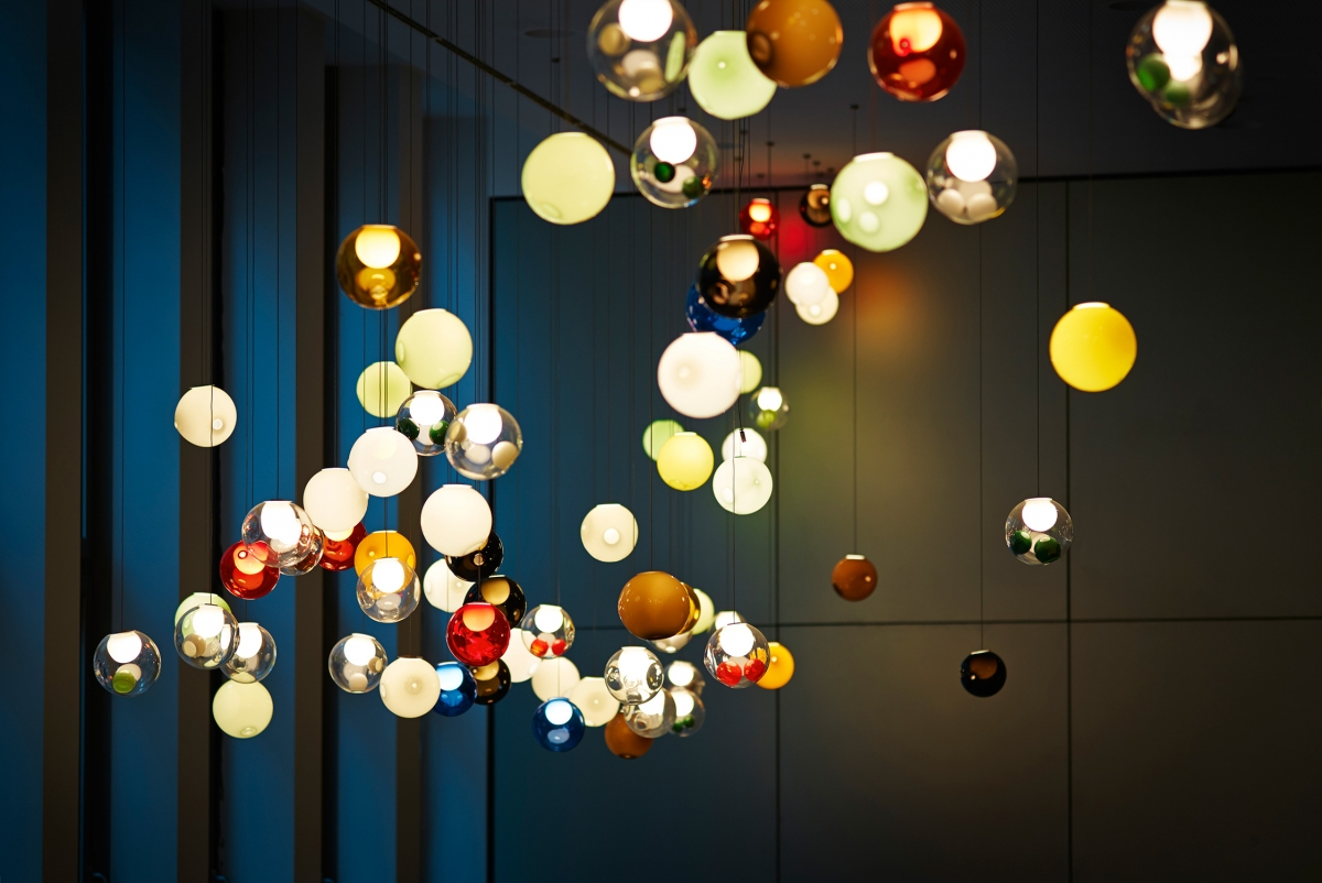 Image of: Top Omer Arbel In Back To The Pragmatic Details The Lights Are Powered With Low Voltage Halogen Or Led your Choice And Some Models Use Colored Glass For Special Wanted Omer Arbels 28 Chandeliers Striking Experiments In Glassblo