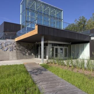 Du Boisé Public Library – Entrance