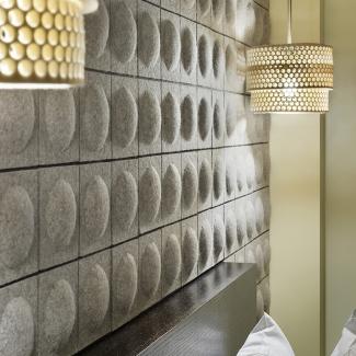 Chambre avec murs, appareils d'éclairage et meubles, hôtel Gladstone, Toronto. Commandé par l'hôtel Gladstone, Toronto