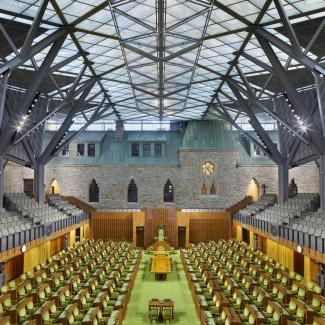 Chambre – fauteuil du Président de la Chambre – vue rapprochée