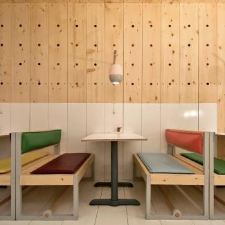 Bestie Currywurst / Photo : Scott & Scott Architects